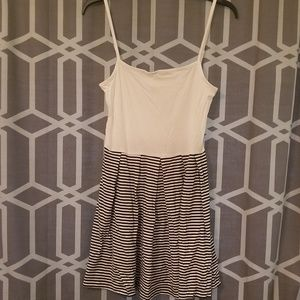 GAP xs pleaded dress